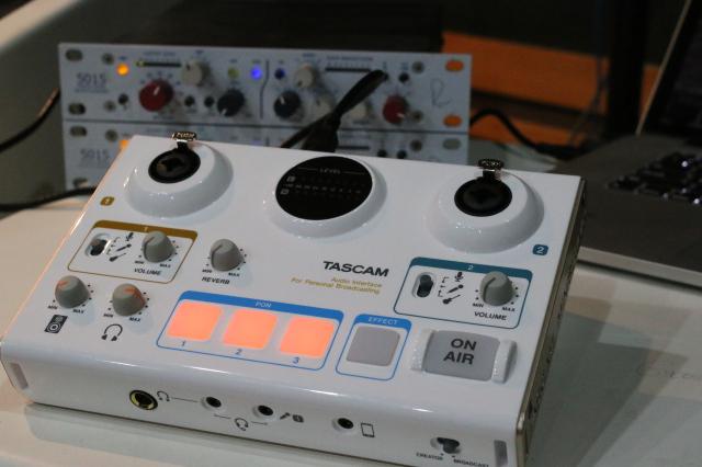 TASCAM US-42 直播声卡评测-01