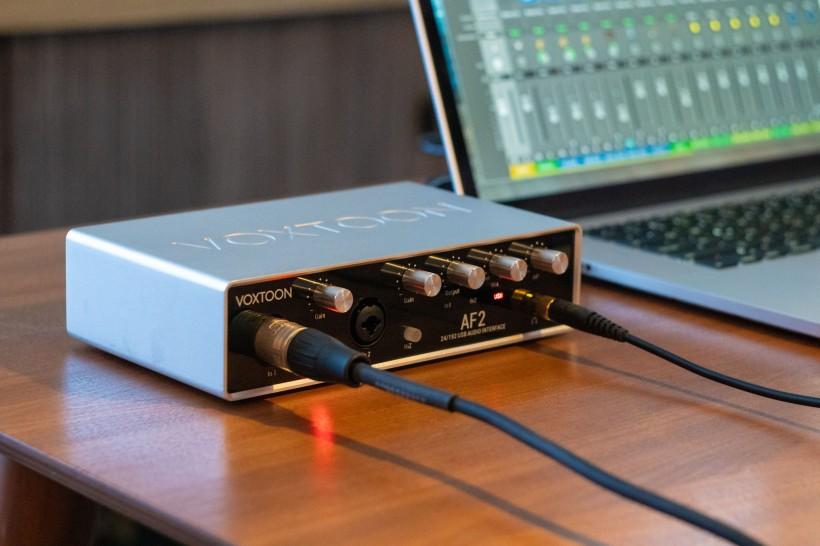 sE VOXTOON AF2 评测:解决复杂跳线需求的声卡