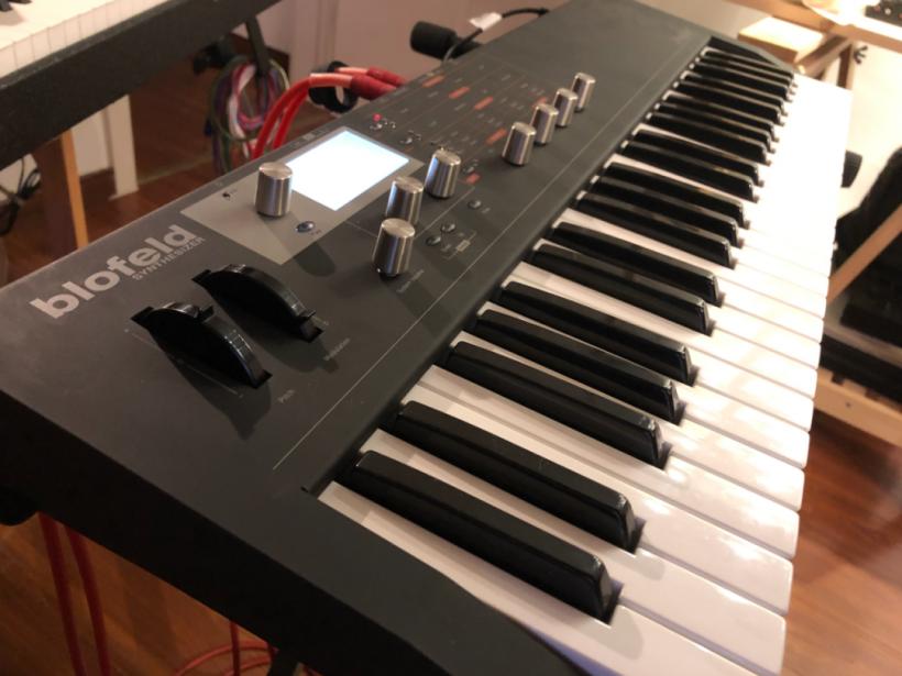 Waldorf Blofeld Keyboard这是一台适合放飞自我来演奏的虚拟模拟合成器