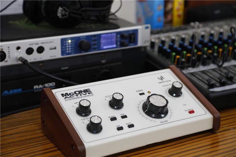 简洁方便易上手的监听控制器 McONE Active 换标重装上阵