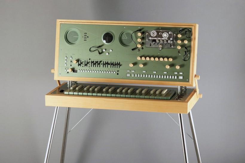 瑞典手工匠人改装合成器新作 EC1
